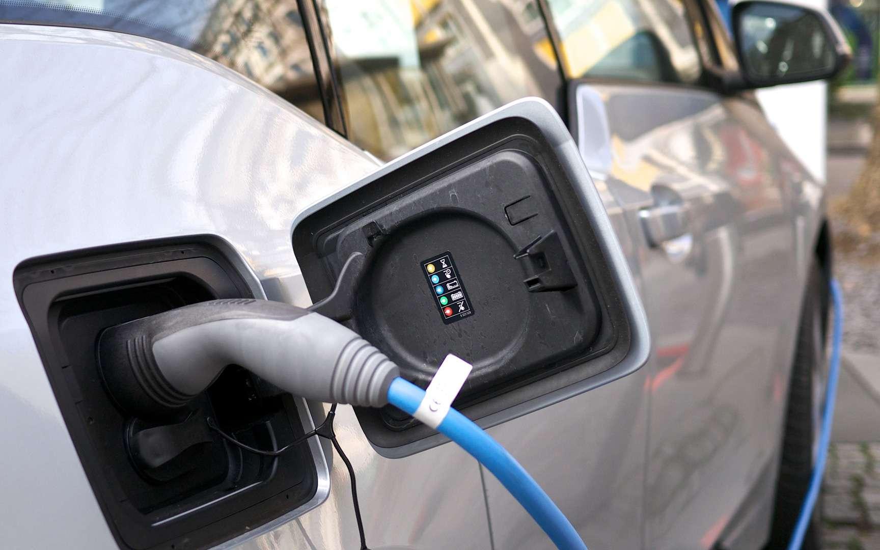 Toshiba dévoile une batterie pour voiture qui se charge en 6