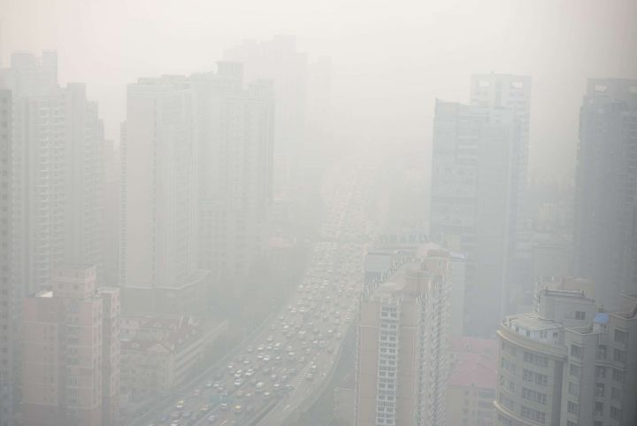 EN IMAGES. Pic de pollution extrême à Shanghaï