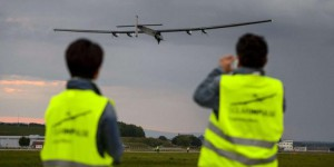 VIDEO. Premier vol de l'avion solaire Solar Impulse 2