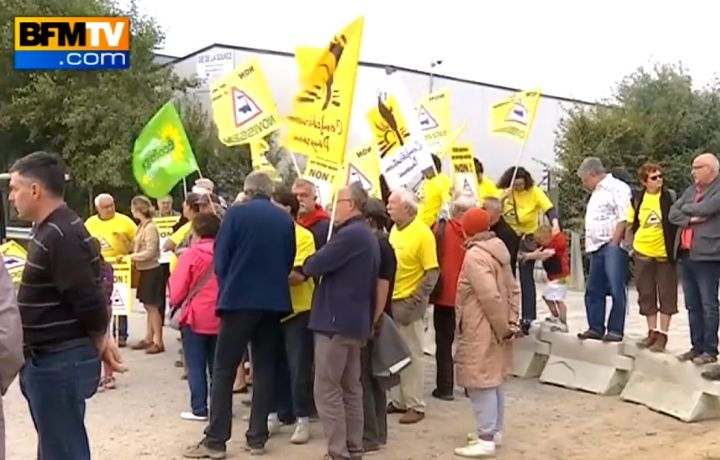 VIDEOS. Ferme des «1000 vaches» : ses opposants bloquent le site