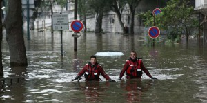 EN DIRECT. Inondations : la Seine baisse à Paris, 18 départements en vigilance orange