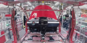 La production de la Tesla Model 3 en vidéo