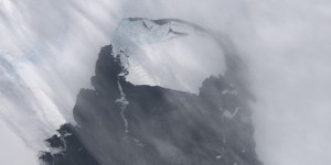 Dérive d'un iceberg six fois plus grand que Paris en Antarctique