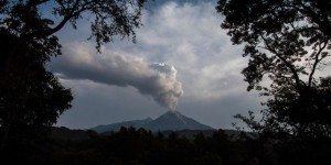 Le volcan Colima entre en éruption au Mexique
