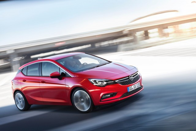Opel Astra 2015 : Apple, Android et OnStar à bord
